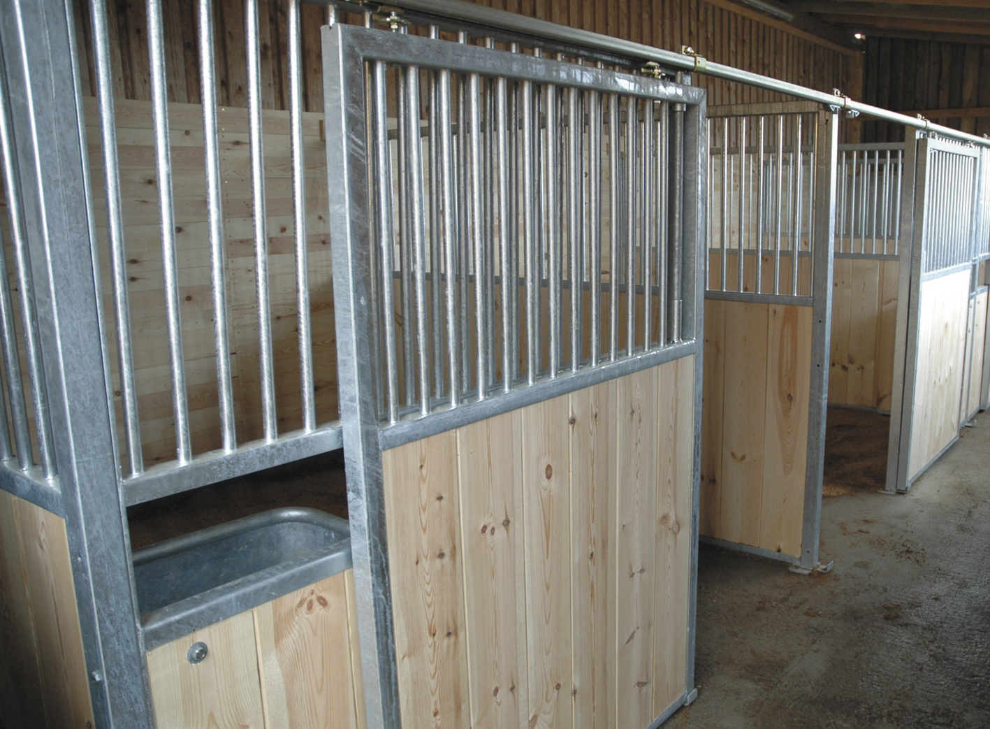 pferde pferdeboxen. Black Bedroom Furniture Sets. Home Design Ideas